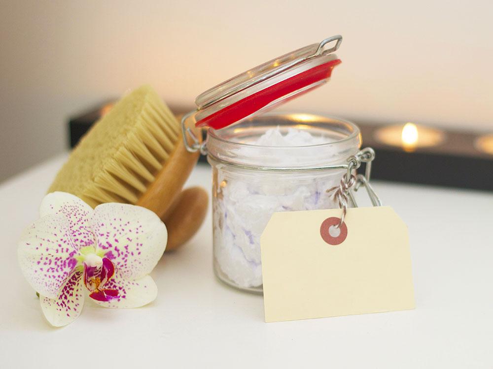 Journée spa à la maison, options DIY et naturelles